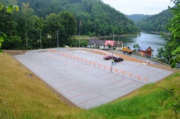 parking zagorze jezioro