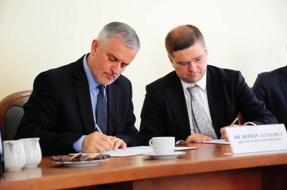podpisanie umowy szelemej