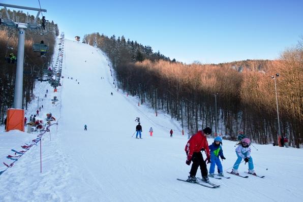 dzikowiec stok narciarze