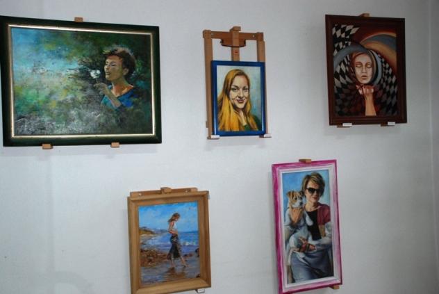 portrety kobiet gluszyca